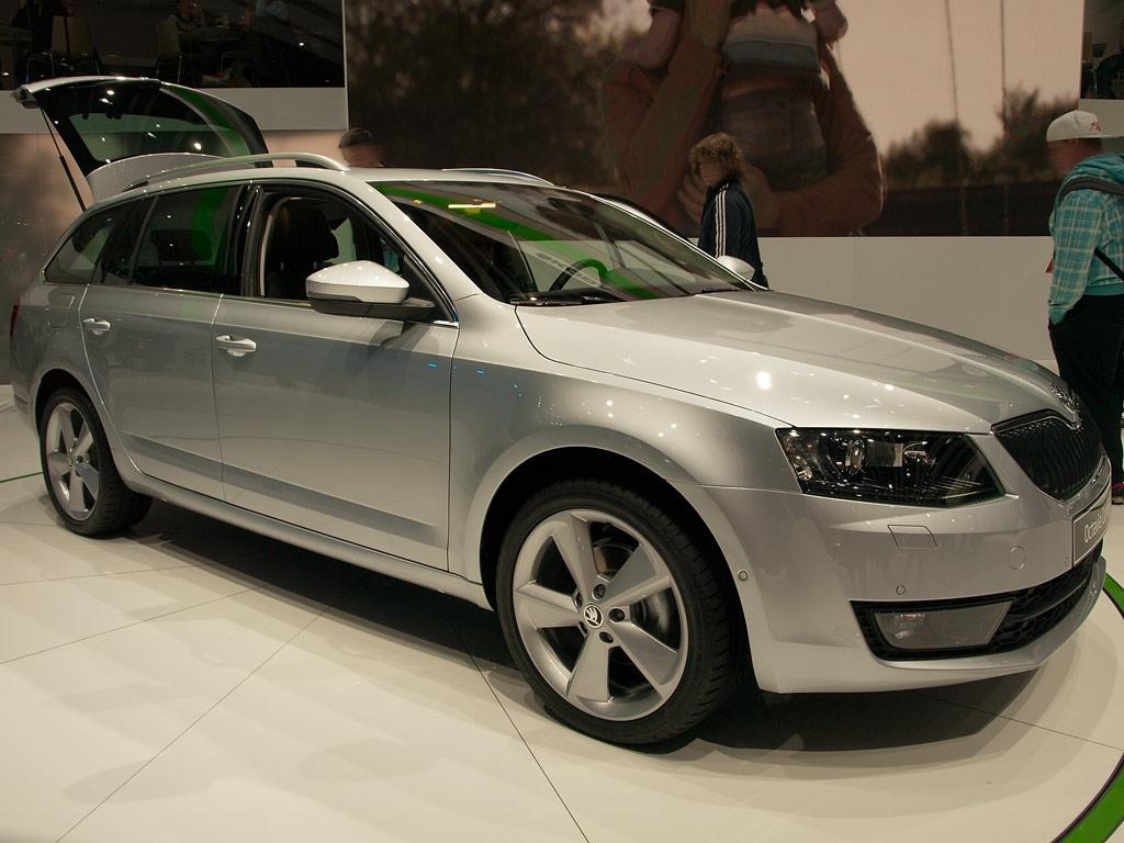 Skoda Octavia Combi Neuwagen mit bis zu 19% Rabatt günstig kaufen
