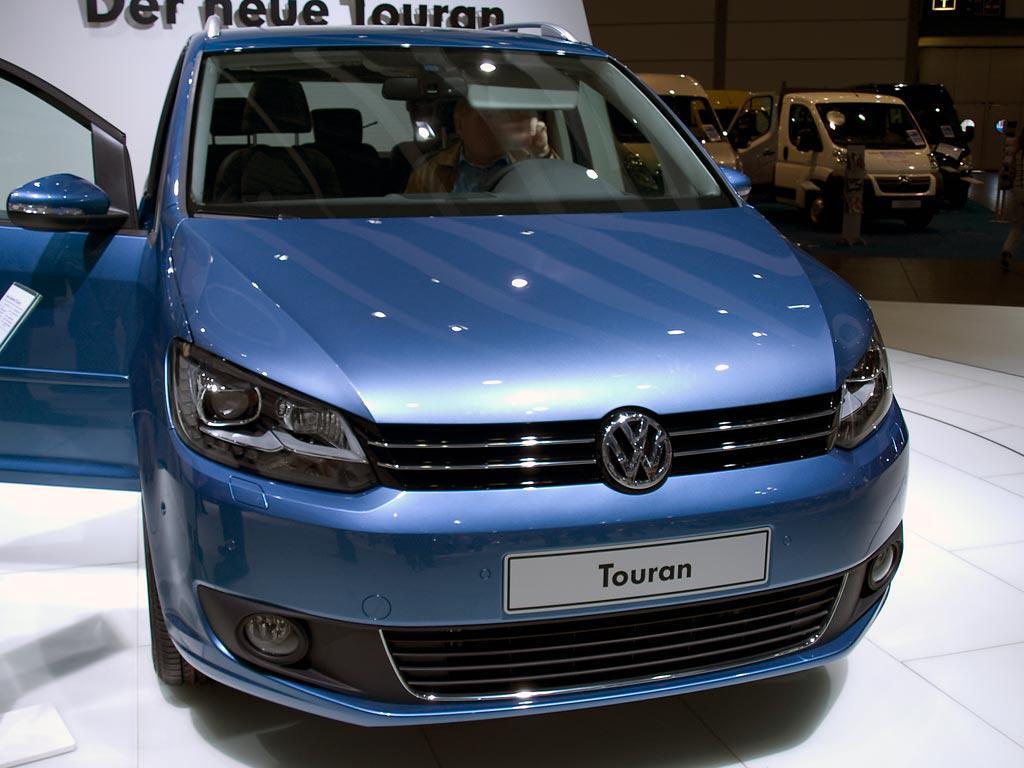 VW Touran CUP als Neuwagen mit Rabatt günstig kaufen