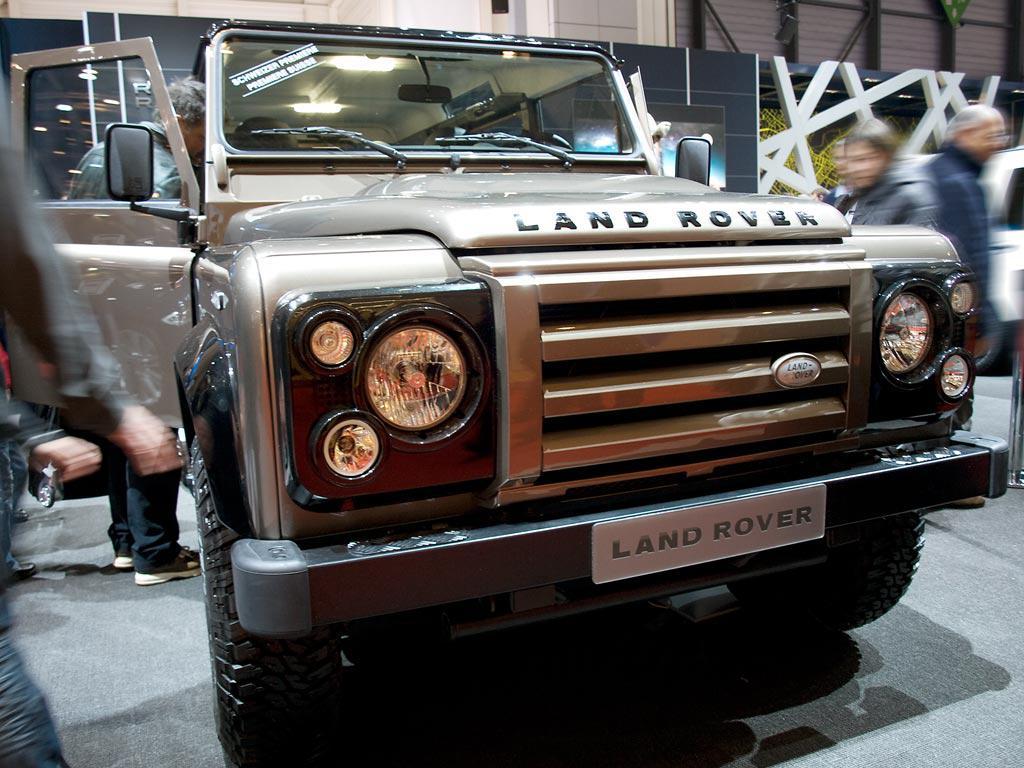 Land Rover Defender Neuwagen mit bis zu 17.87% Rabatt günstig kaufen