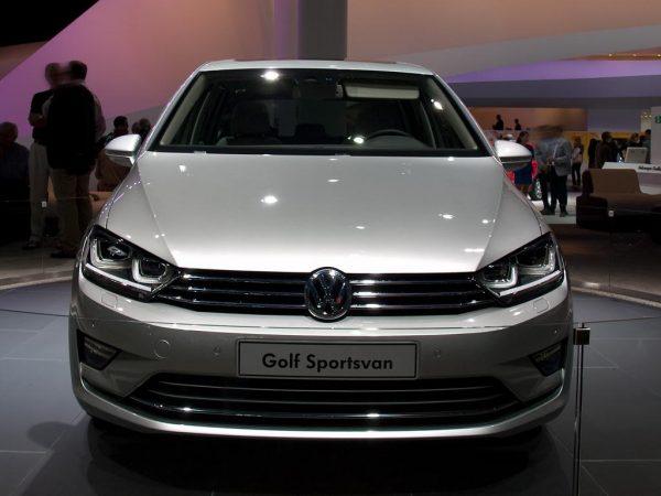 VW Golf Sportsvan als Neuwagen mit 18.25% Rabatt günstig kaufen