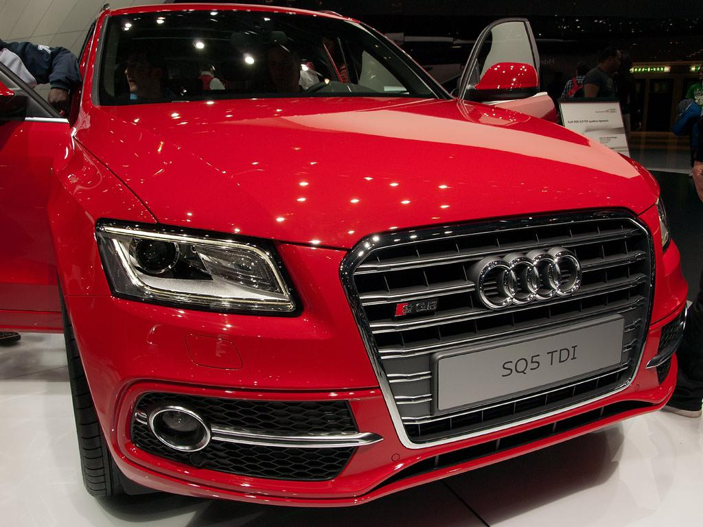 Jetzt den Audi SQ5 Neuwagen mit bis zu 21.5% Rabatt günstig kaufen