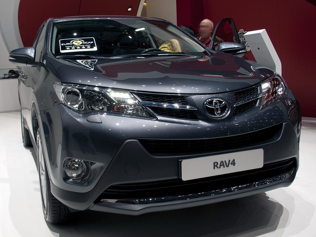Toyota RAV4 Neuwagen jetzt mit bis zu 20% Rabatt günstig kaufen